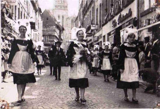 kae-1967-archives-007-quimper-fetes-de-cornouaille.jpg